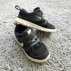 Nike Toddler Sz 9C Black Shoes